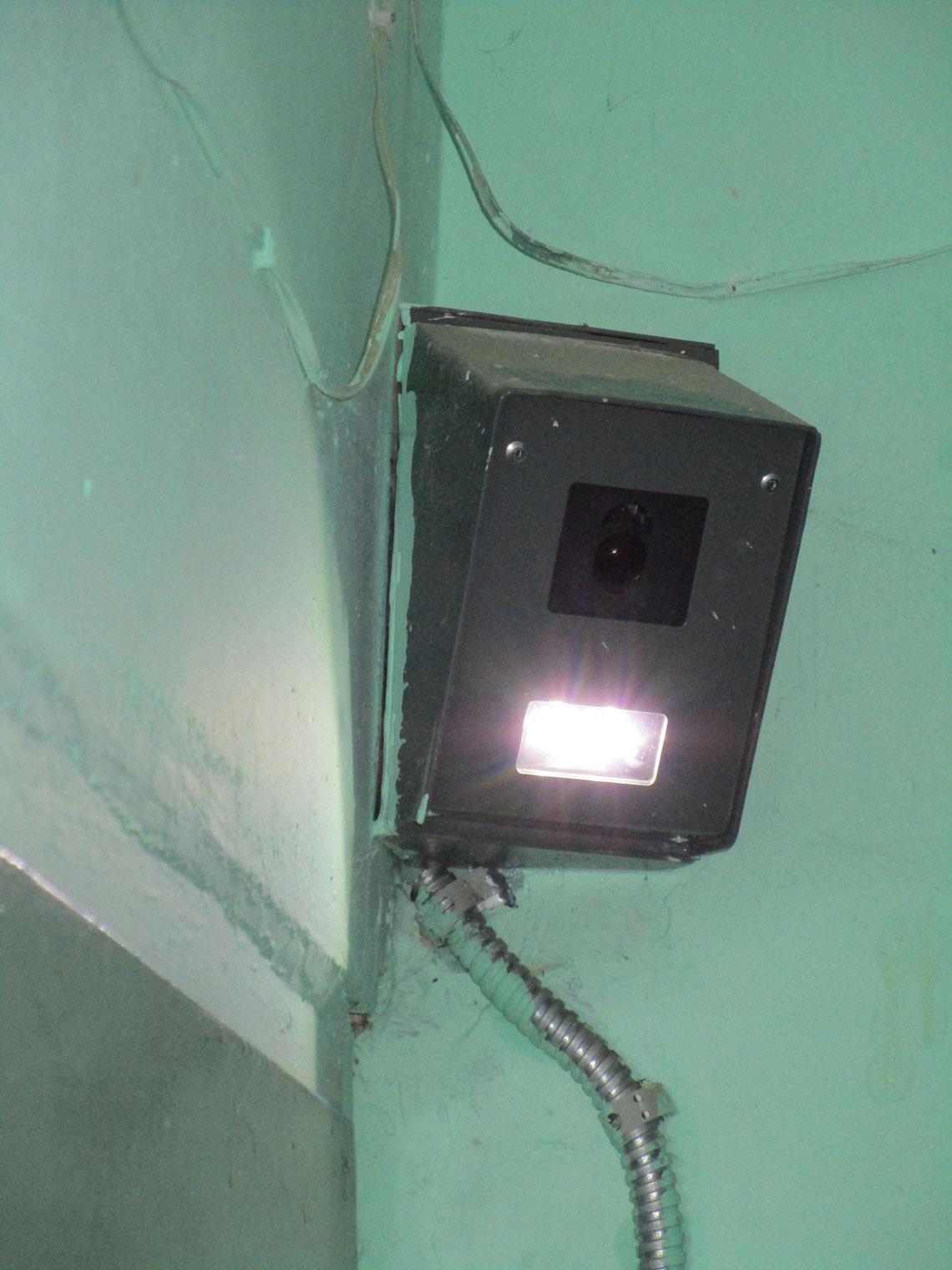 Установка камеры в подъезде 3